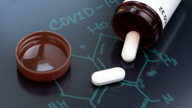 Исследователи изучают, существует ли вещество, которое эффективно против Covid-19 в уже утвержденном препарате